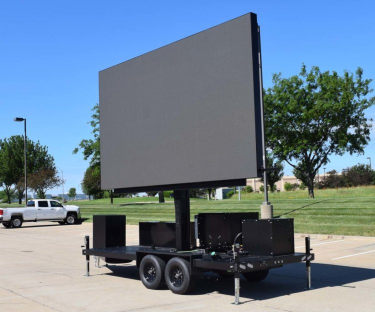 1710sideview 828208152 big Concerts-LED Trailer